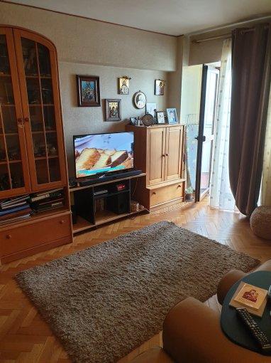 Apartament vanzare Basarabia cu 3 camere, etajul 9 / 10, 2 grupuri sanitare, cu suprafata de 65 mp. Bucuresti, zona Basarabia.