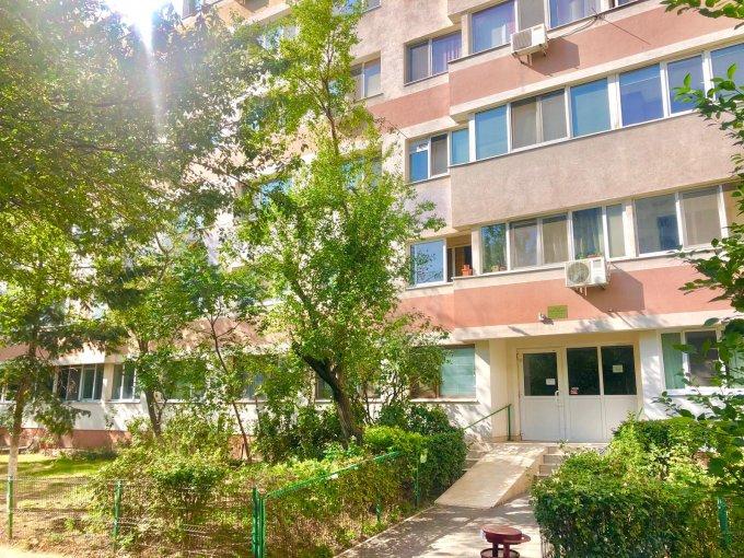 Apartament vanzare Bucuresti 3 camere, suprafata utila 70 mp, 1 grup sanitar, 1  balcon. 93.000 euro negociabil. Etajul 2 / 10. Destinatie: Rezidenta. Apartament Dristor Bucuresti