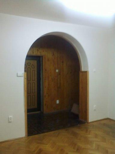 agentie imobiliara inchiriez apartament semidecomandata, in zona Mosilor, orasul Bucuresti