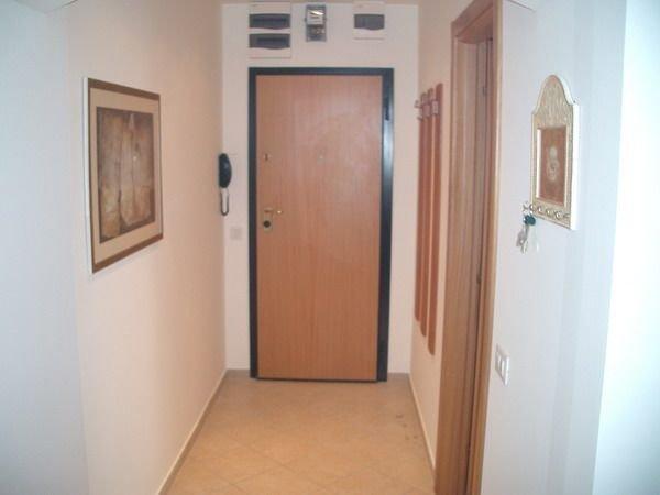agentie imobiliara inchiriez apartament decomandata, in zona Dorobanti, orasul Bucuresti