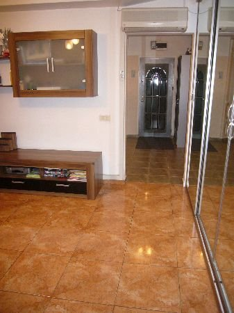vanzare apartament semidecomandata, zona Drumul Taberei, orasul Bucuresti, suprafata utila 70 mp