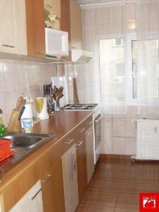 Bucuresti, zona Pantelimon, apartament cu 3 camere de vanzare