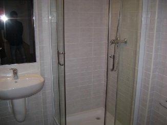 vanzare apartament cu 3 camere, decomandata, in zona Barbu Vacarescu, orasul Bucuresti