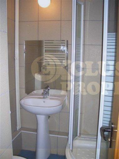 agentie imobiliara inchiriez apartament decomandata, in zona Decebal, orasul Bucuresti
