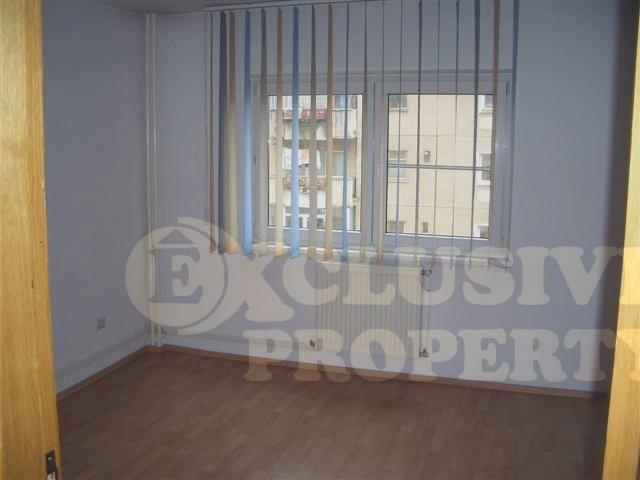 Bucuresti, zona Decebal, apartament cu 3 camere de inchiriat