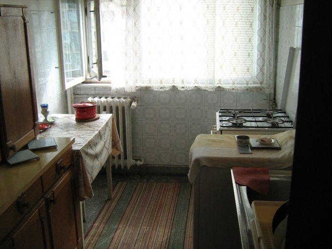 agentie imobiliara vand apartament semidecomandata, in zona Baba Novac, orasul Bucuresti