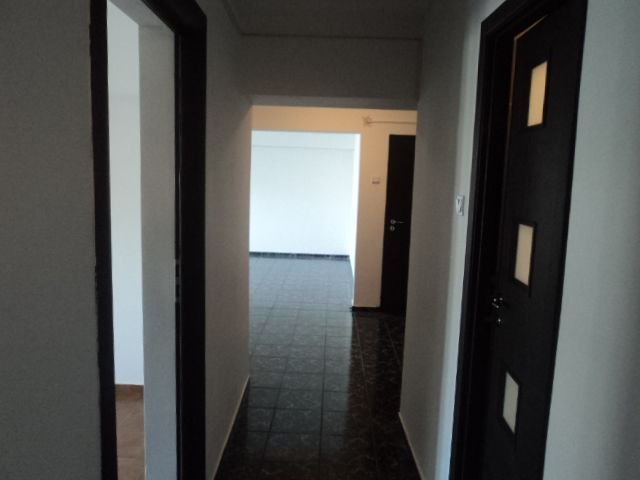 agentie imobiliara inchiriez apartament decomandata, in zona Unirii, orasul Bucuresti