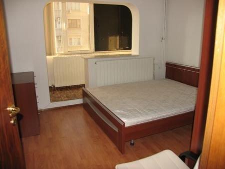 vanzare apartament decomandata, zona Aviatiei, orasul Bucuresti, suprafata utila 78 mp