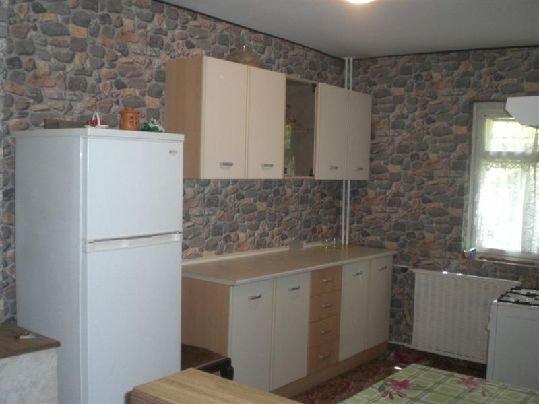 vanzare apartament cu 3 camere, decomandata, in zona Aviatiei, orasul Bucuresti