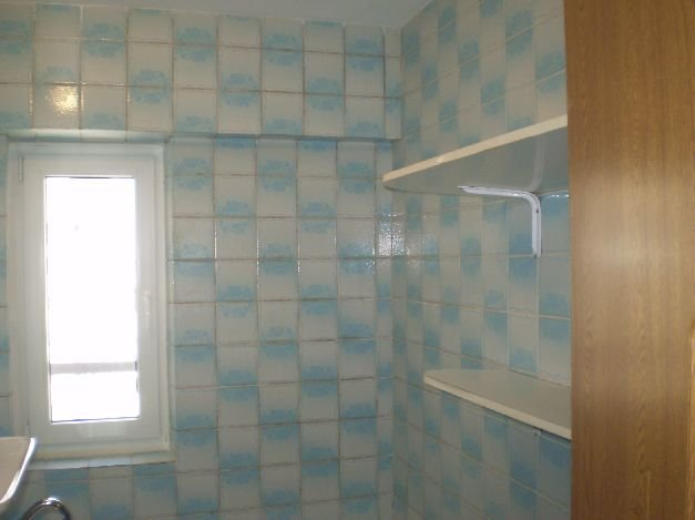 inchiriere apartament cu 3 camere, semidecomandata, in zona Vacaresti, orasul Bucuresti