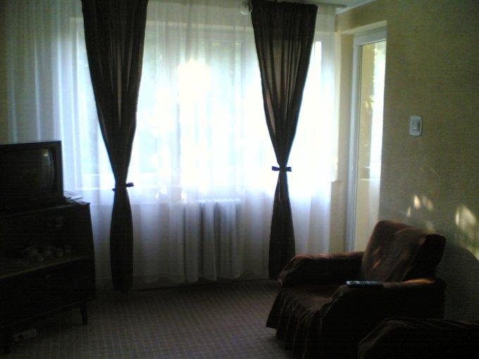 inchiriere apartament cu 3 camere, semidecomandata, in zona Crangasi, orasul Bucuresti