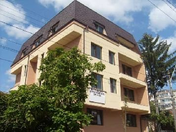Bucuresti, zona 1 Mai, apartament cu 3 camere de inchiriat