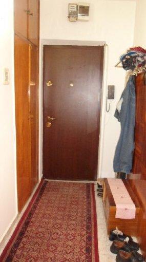 Bucuresti, zona Brancoveanu, apartament cu 3 camere de vanzare