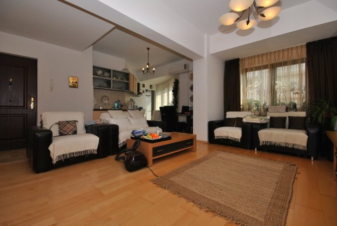 vanzare apartament semidecomandat, zona Soseaua Nordului, orasul Bucuresti, suprafata utila 86 mp