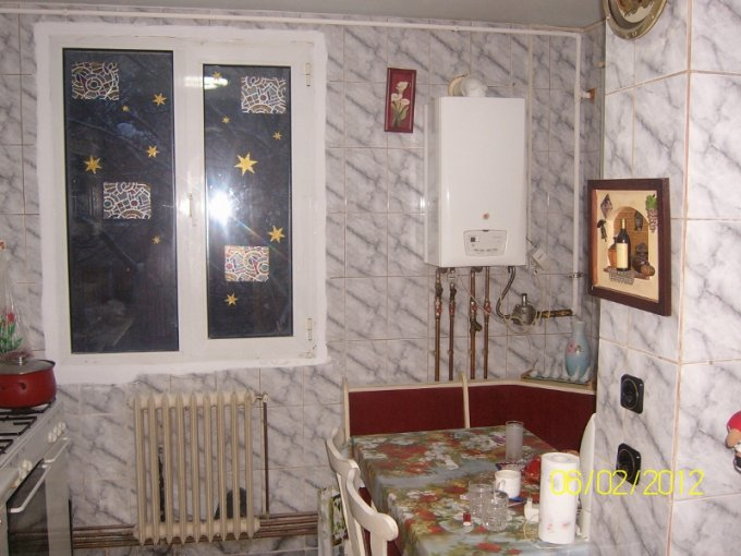 Bucatarie apartament de 3 camere in Drumul Taberei