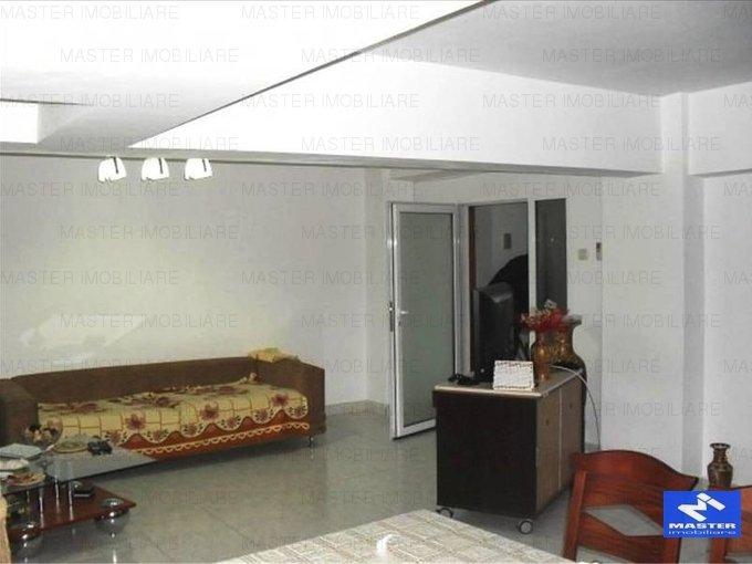 vanzare apartament decomandat, zona Unirii, orasul Bucuresti, suprafata utila 98 mp