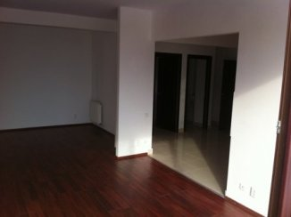 agentie imobiliara vand apartament decomandat, in zona Piata Presei Libere, orasul Bucuresti