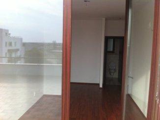 vanzare apartament cu 3 camere, decomandat, in zona Piata Presei Libere, orasul Bucuresti