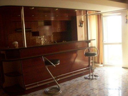 vanzare apartament decomandat, zona Unirii, orasul Bucuresti, suprafata utila 93 mp