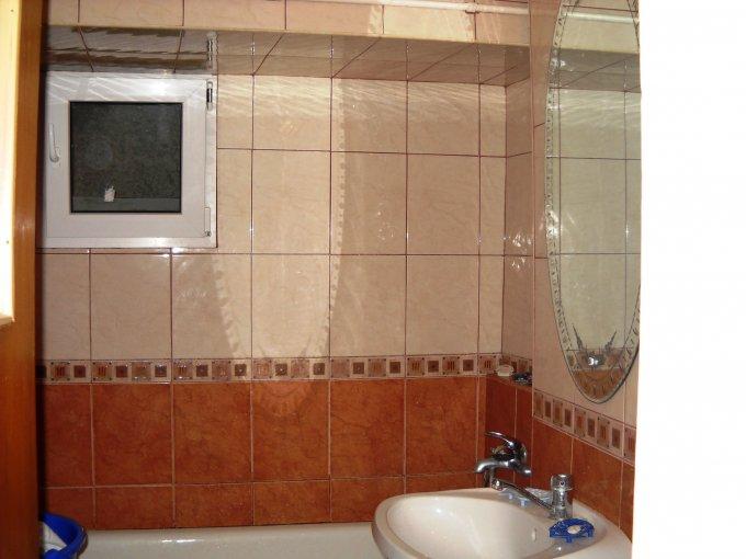 vanzare apartament cu 3 camere, decomandat, in zona Mosilor, orasul Bucuresti