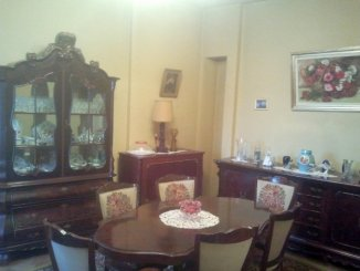 vanzare apartament semidecomandat, zona Dacia, orasul Bucuresti, suprafata utila 80 mp