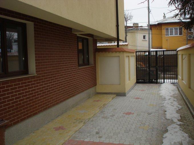 vanzare apartament decomandat, zona Drumul Sarii, orasul Bucuresti, suprafata utila 134.56 mp