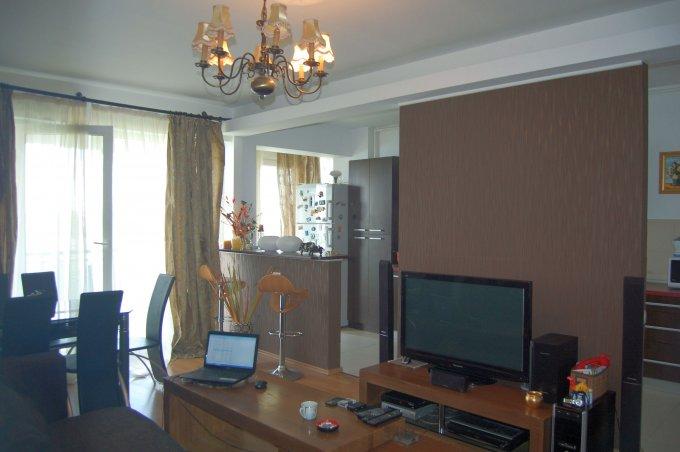 proprietar vand apartament decomandat, in zona Theodor Pallady, orasul Bucuresti