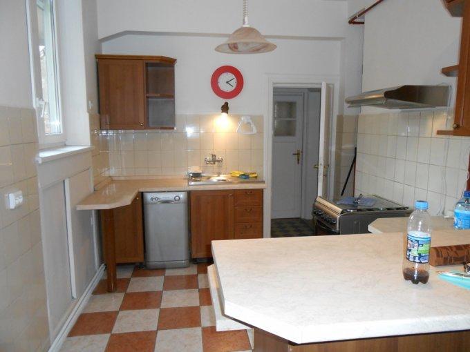 agentie imobiliara inchiriez apartament decomandat, in zona Calea Victoriei, orasul Bucuresti