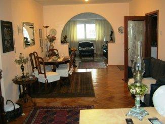 Bucuresti, zona Calea Victoriei, apartament cu 3 camere de vanzare