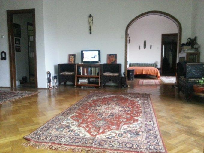 Apartament de vanzare in Bucuresti cu 3 camere, cu 2 grupuri sanitare, suprafata utila 84 mp. Pret: 121.000 euro.
