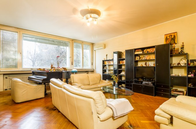 Apartament vanzare Bucuresti 3 camere, suprafata utila 94 mp, 1 grup sanitar, 1  balcon. 275.000 euro negociabil. La Parter / 2. Destinatie: Rezidenta, Birou. Apartament Kiseleff Bucuresti