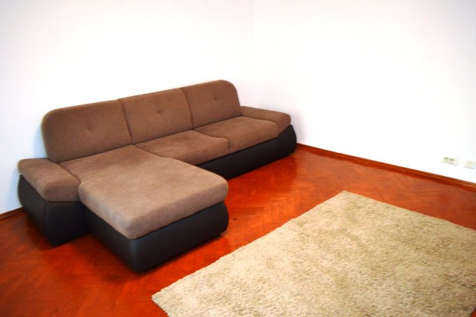 http://realkom.ro/anunt/inchirieri-apartamente/realkom-agentie-imobiliara-unirii-oferta-inchiriere-apartament-3-camere-unirii-piata-alba-iulia/1654