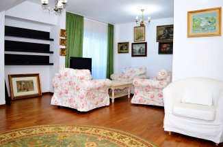http://realkom.ro/anunt/inchirieri-apartamente/realkom-agentie-imobiliara-unirii-oferta-inchiriere-apartament-3-camere-unirii-nerva-traian-mobilat-lux/1657