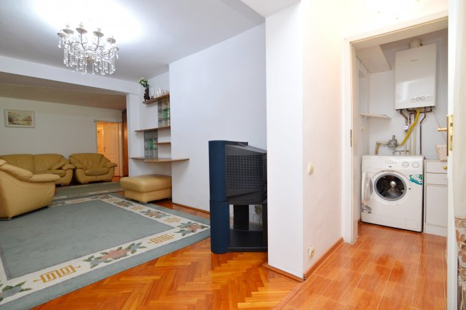 http://www.realkom.ro/anunt/inchirieri-apartamente/realkom-agentie-imobiliara-decebal-oferta-inchiriere-apatament-3-camere-decebal-piata-alba-iulia/1718