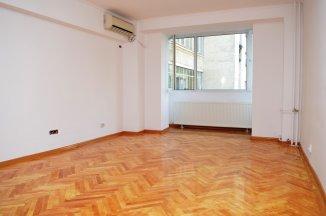 http://realkom.ro/anunt/inchirieri-apartamente/realkom-agentie-imobiliara-decebal-oferta-inchiriere-apartament-3-camere-decebal-zvon-cafe/1684