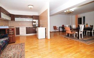 http://www.realkom.ro/anunt/vanzari-apartamente/realkom-agentie-imobiliara-decebal-oferta-vanzare-apartament-3-camere-decebal-piata-alba-iulia/1763
