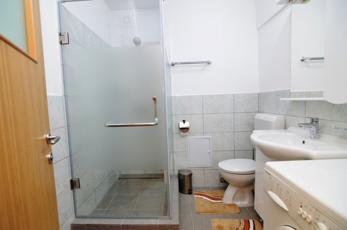http://www.realkom.ro/anunt/inchirieri-apartamente/realkom-agentie-imobiliara-unirii-oferta-inchiriere-apartament-3-camere-unirii-fantani/1766