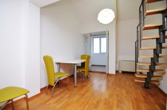 http://www.realkom.ro/anunt/vanzari-apartamente/realkom-agentie-imobiliara-decebal-oferta-vanzare-apartament-3-camere-decebal-zvon-cafe/1774