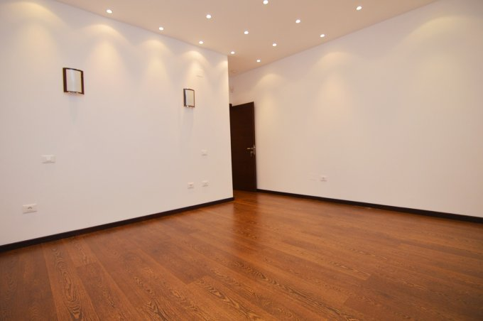 http://www.realkom.ro/anunt/vanzari-apartamente/realkom-agentie-imobiliara-unirii-oferta-vanzare-apartament-3-camere-unirii-piata-alba-iulia/1823