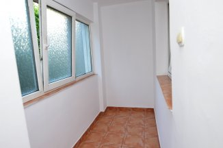 http://www.realkom.ro/anunt/inchirieri-apartamente/realkom-agentie-imobiliara-decebal-oferta-inchiriere-apartament-3-camere-decebal-piata-muncii/1892