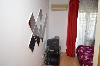 http://www.realkom.ro/anunt/inchirieri-apartamente/realkom-agentie-imobiliara-unirii-oferta-inchiriere-apartament-3-camere-unirii-piata-constitutiei/1915