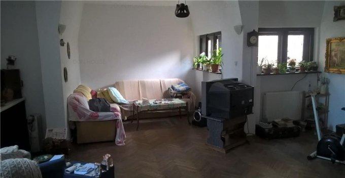 Apartament de vanzare in Bucuresti cu 3 camere, cu 1 grup sanitar, suprafata utila 95 mp. Pret: 95.000 euro.
