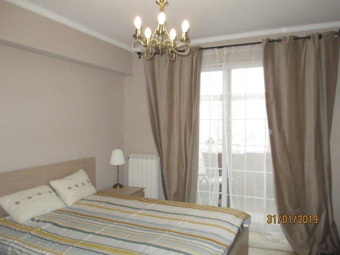 Apartament inchiriere Bucuresti 3 camere, suprafata utila 71 mp, 2 grupuri sanitare, 1  balcon. 700 euro. Etajul 5 / 7. Destinatie: Rezidenta, Birou. Apartament Romana Bucuresti