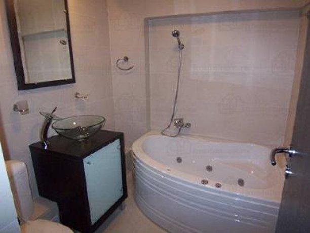 inchiriere apartament cu 3 camere, decomandata, in zona Nerva Traian, orasul Bucuresti