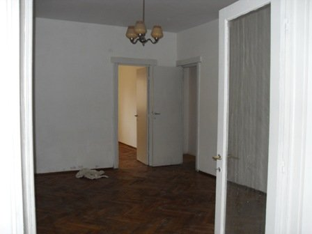 vanzare apartament cu 3 camere, semidecomandat-circulara, in zona Magheru, orasul Bucuresti