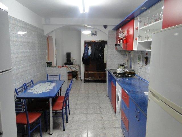 vanzare apartament cu 3 camere, semidecomandata, in zona Baba Novac, orasul Bucuresti