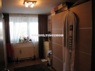 vanzare apartament cu 3 camere, decomandat, in zona Titan, orasul Bucuresti