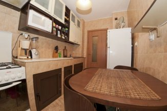 vanzare apartament cu 3 camere, semidecomandat, in zona Iancului, orasul Bucuresti