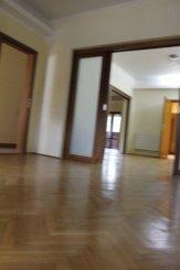 Bucuresti, zona Dacia, duplex cu 3 camere de vanzare