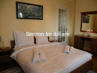 inchiriere apartament cu 3 camere, decomandat, in zona Victoriei, orasul Bucuresti